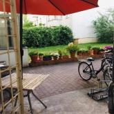 Blick auf den Garten der Wohngemeinschaft
